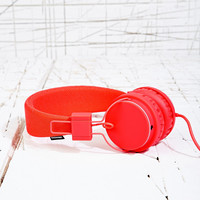 Urbanears Plattan Headphones in Red - Urban Outfitters