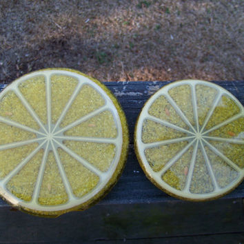 Vintage Lemon Slice Trivet...Wondermold Inc...Coaster...Hot Plate...Resin...Crushed Glass...Mid Century...Kitchen Housewares...Mod Decor