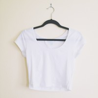 Basic White Scoop Neck Crop