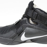 Nike Men's Lebron Soldier IX Black/Silver Basketball Shoes 749417 001