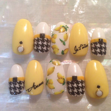 Black, white, and yellow houndstooth and lemon nail art 3d press on nails