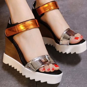 New arrival women patent leather wedge sandals