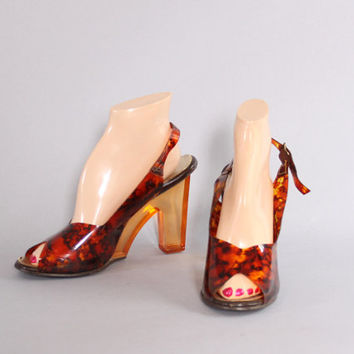 70s Clear LUCITE Peep Toe HEELS / 1970s Amber Tortoise Slingback SANDALS 8