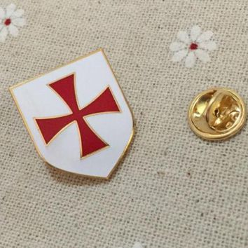 Knights Templar Red Cross White Shield Lapel Pin