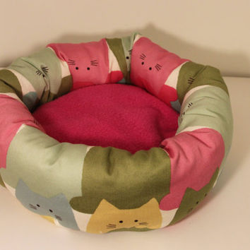 Rat Snuggle Cup, Hedgehog Cuddle Roll, Small Roll Bed - Multicolour Cats with Pink Fleece