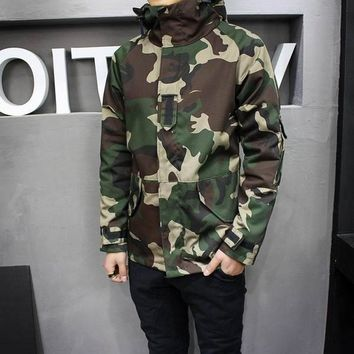 Mens Camouflage Windbreaker Jacket Winter Spring Hooded Camouflage Windbreaker Windproof Camo Windbreaker Coats