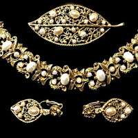 Pearl Bracelet Earrings and Brooch Set Signed Florenza Renaissance Gold Tone