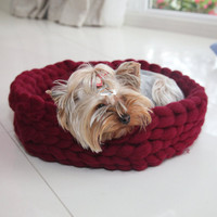 Hanmade Chunky Dog or Cat Basket , Cat Bed, Pet Bed, Cat Nest, Cat House, Pet furniture, Chunky Dog Bed, Extreme Crochet, Pet Bedding, Wool
