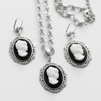 Cameo Necklace Earring Set, Black and White German Glass Cameo Set, Vintage Cameo Jewelry, Silver Necklace Set, Cameo Earring Set, SRAJD