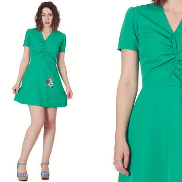 Vintage 60s Kelly Green Ruched Mini Dress / Embroidered Green Short Dress / Cute Emerald Green Day Dress