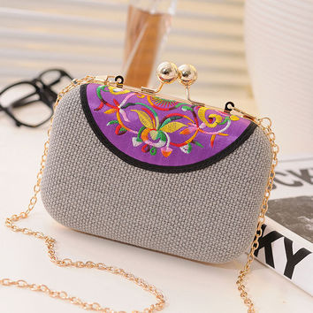 Women's vintage ethnic style embroidery clutch evening bag / girls coin Purse chain Shoulder Messenger Bag