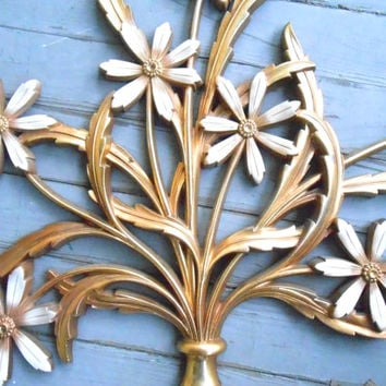 Vintage Syroco Wall Decoration, Gold and white vase of giant daisies, 1960s Madmen home decor, Huge Mid Century wall Decor, plastic plaque