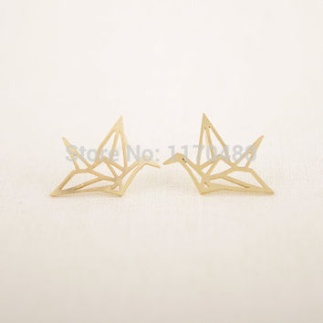 yiustar 2017 New Fashion Gold color Origami Crane Stud Earrings for Women Girls Simple Jewelry Cute Animal Bird Earring ED037
