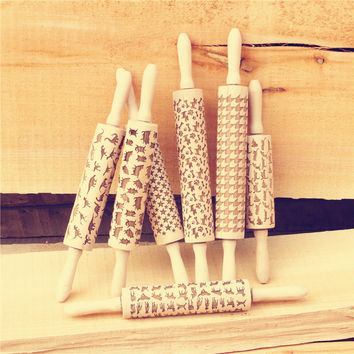 Beech Wooden Rolling Pin Pattern Embossing with cats For Embossed Cookies