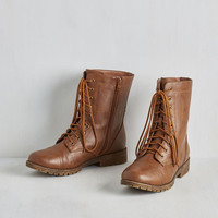 Military Art Me Up Boot in Brown