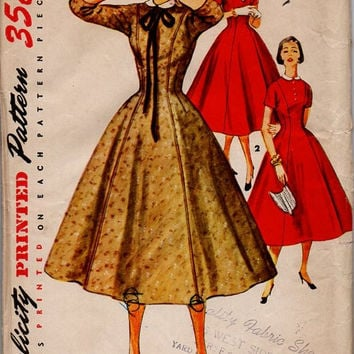Simplicity 4806 Sewing Pattern 50s Retro Rockabilly Style Swing Dress Full Circle Skirt Fitted Waist Holiday Party Dress Uncut Bust 36