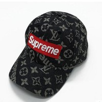 """Louis Vuitton x Supreme"" Unisex Fashion Letter Pattern Print Flat Cap Couple All-match Baseball Cap Sun Hat"