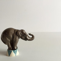 Hagen Renaker Circus Elephant sitting on circus stool Ceramic Figurine Miniature