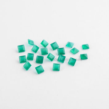 Green Onyx Loose Gemstone, Onyx Square 5mm Faceted Calibrated Cabochons Gemstone, Onyx Wholesale Gemstone - 25 Pcs