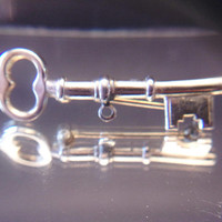 Vintage Skeleton Key Brooch Pin Jewelry Fashion Accessories For Her