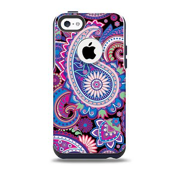 The Vibrant Purple Paisley V5 Skin for the iPhone 5c OtterBox Commuter Case