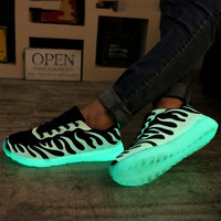 Men and Women Lovers Fluorescent Light Up Mesh Casual Lace Up Casual Sport Shoes