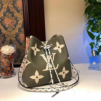 LV Louis Vuitton Women Shopping Leather Tote Shoulder Bag