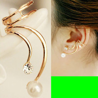 Phoenix Tail Pearl Ear Cuff (Single, No Piercing, Adjustable)