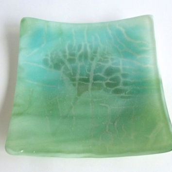 Fused Glass Crackle Plate in Spearmint and Aqua