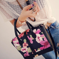 Winter Vintage Floral Print Tote Bag Elegant One Shoulder Messenger Bags [6582315335]