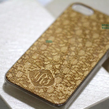 25%off Natural Wood iPhone 5 5s Case monogram Engraved Monogrammed iPhone 4 4s Case Carved Floral Flower Engraving Personalized Wooden cover