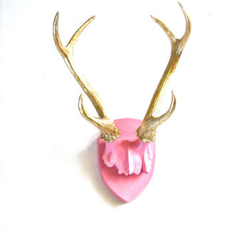 Faux Antlers Plaque Wall Hanging Rustic Modern Wall Mount Wall Decor in light pink with gold antlers Home Decor