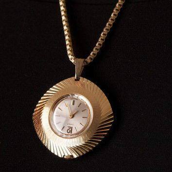Vintage Timex Watch Pendant On Gold Tone Box Chain