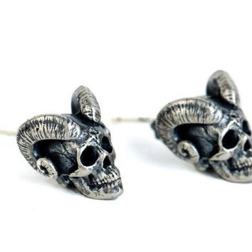 Regalrock Steampunk Gemsbok Mount Horns Skeleton Goat Head Demon Samurai Rams Skull Stud Earring