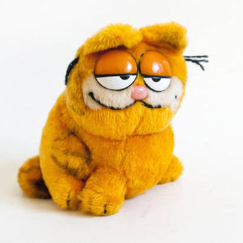 Early 1980s Garfield Plush Toy with Nut Shell Stuffing, Vintage Dakin Stuffed Animal, Retro Stocking Stuffer 1981