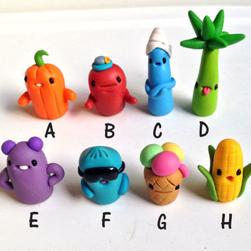 Miniature , Cute Little Polymer Clay Fimo - Figurine Kawaii Style Creatures