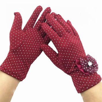 Fashion Female Lace Guantes Butterfly Knot Diamond Gloves Winter Warm Ladies Mittens White Dot For Women Wrist Length Glove G039
