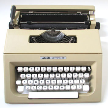 Vintage Portable Typewriter - Working Manual Typewriter With Case - Olivetti Lettera 25