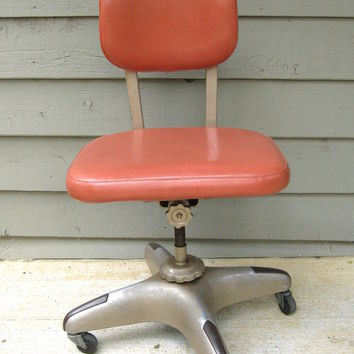 Vintage Steel-Case Swivel Chair Salmon Pink Taupe