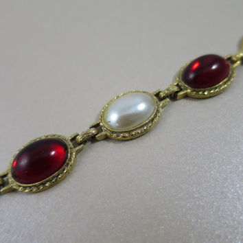 Red & Pearl Cabochon Link Bracelet Gold Tone Victorian Revival Faux Pearl Red Lucite Cabochons 7.5 inches Dainty Bracelet Link Bracelet