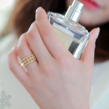 New Arrival Stylish Gift Shiny Korean Gold Hollow Out Diamonds Jewelry Ring [6586160455]