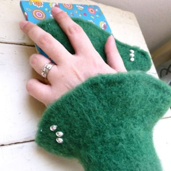 Felt fingerless gloves, knit wrist warmers, green fingerless gloves, hand knit, ready to ship, winter wear, women's gift idea, accessory