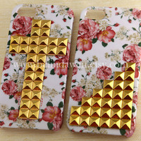 Iphone 5 Case, studded iphone 5 case, golden studded Iphone case, white Iphone 5 Hard Case, vintage style