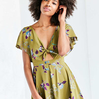 Kimchi Blue Jodi Flutter-Sleeve Romper - Urban Outfitters