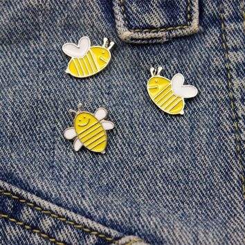 Cute Bee Pins Set Yellow Enamel Pins And Brooches For Women Kids Jewelry Shirt Hat Pin Up Silver Brooch Denim Jacket Bag Badge