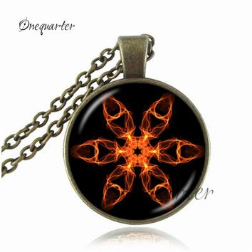 Drop Shipping Magic Pentagram Pendant Bronze/Silver Chain Pentacle Necklace Glass Dome Pentagram Jewelry Occult Wiccan Necklace