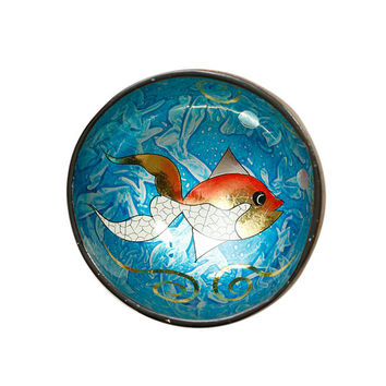 lacquer coconut shell bowl with fish design