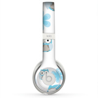 The Subtle Blue Cartoon Owls Skin for the Beats by Dre Solo 2 Headphones