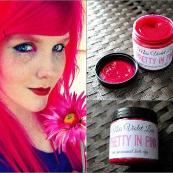 Pink Hair Dye, Semi Permanent hair dye, Scene hair, emo hair, pink dye, cosplay hair // Pretty in Pink