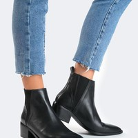 Pointed Toe Elastic Bootie